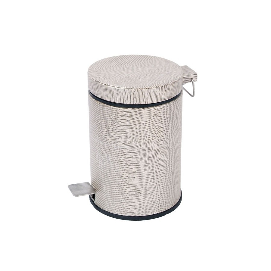 Bath pedal bin with lid. 3 Litres