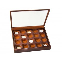 Box for 12 chain watches arranged on 1 section with a glass cover