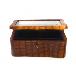 Box with beveled glass lid