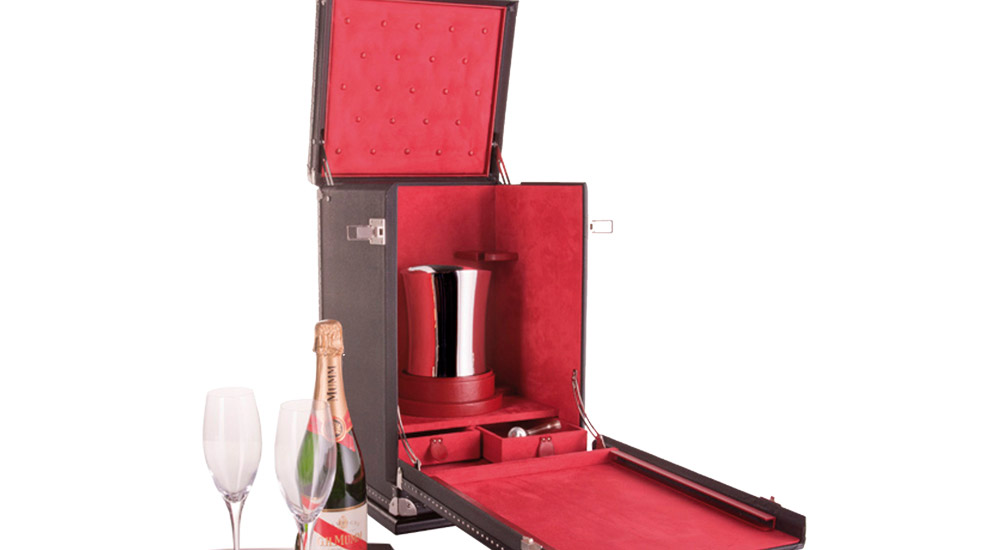 Leather goods for wine cellars
